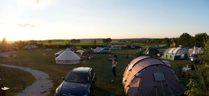 Panorama von der Zeltwiese auf dem Mohrenhof mit Ausblick