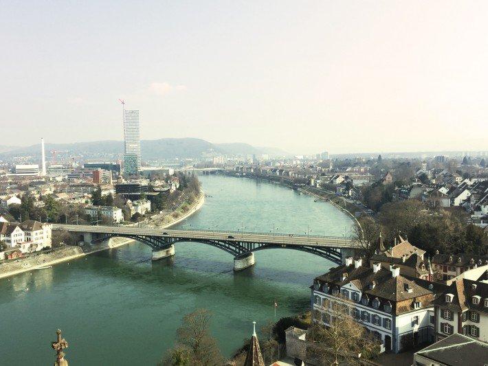 Blick vom Münster in Basel auf den Rhein