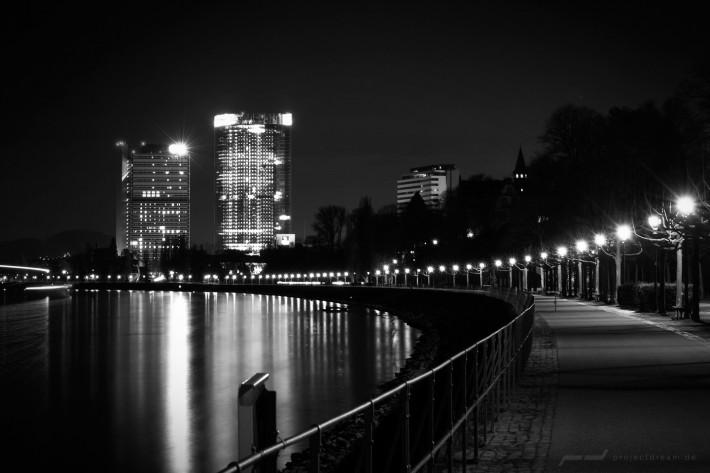 Der Post-Tower und der Lange Eugen in Bonn am Rhein